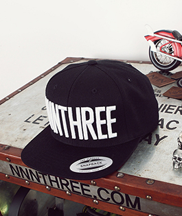 NNN Main NNNTHREE Snap Back - 블랙