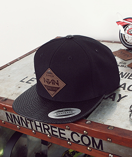 NNN Leather2  Label Snap Back - 블랙